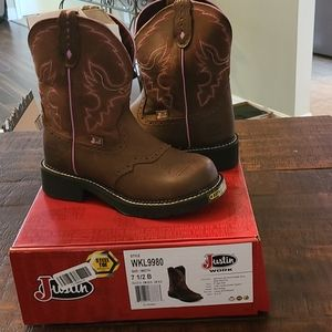 Justin Boots steel toe work boots. 7.5